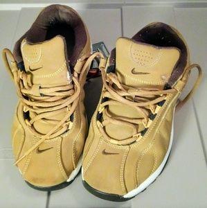 Dressy used, Nike